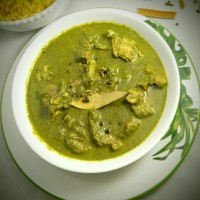 Saag Gosht (Mutton Curry with Puréed Spinach)