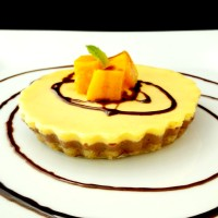 Baked Yogurt Cheesecake(lets) with Mango and Dark Chocolate